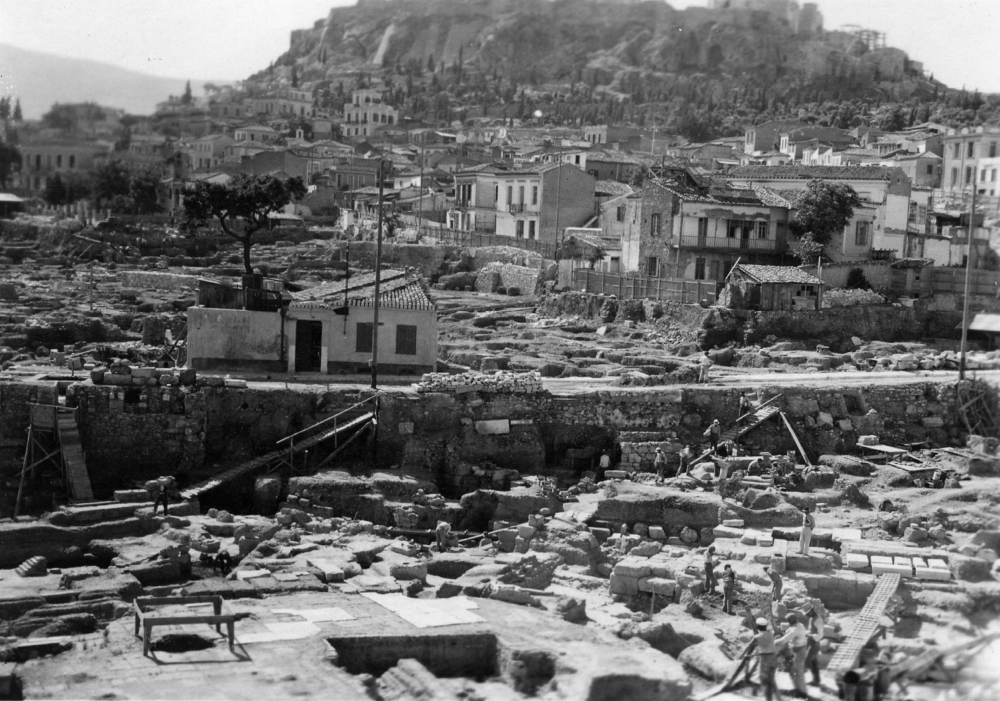 Bildergebnis für Dorothee Burr Thompson, Athenean Agora, Athen (1937), Schwarz-Weiß-Fotografie